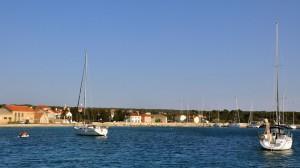 An der Boje vor Olib. Ein sicherer Liegeplatz für unser Segelboot.