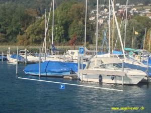 Gästeplätze im Hafen von Bevaix: Am Kopf des Steges