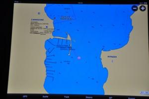 Marina von Cannigione im iPad mit Navionics