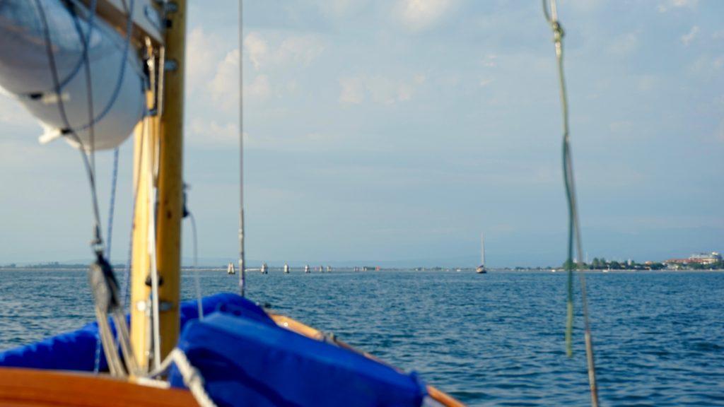 Mit einem Folkeboot auf dem Mittelmeer? Das ist pures Segeln, nah am Element mit dem gewissen Wow.