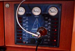 Elektropanel einer Segelyacht